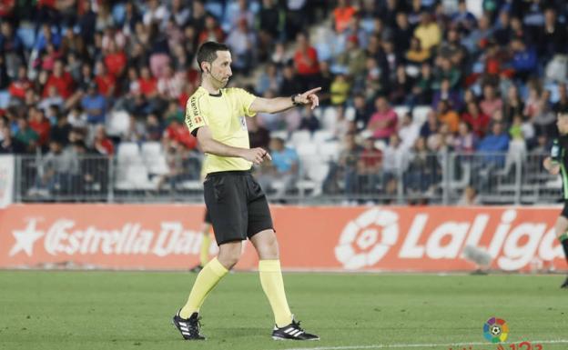 Gorka Sagués Oscoz, el árbitro del derbi