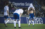 El Tenerife cierra la jornada a dos escalones del descenso