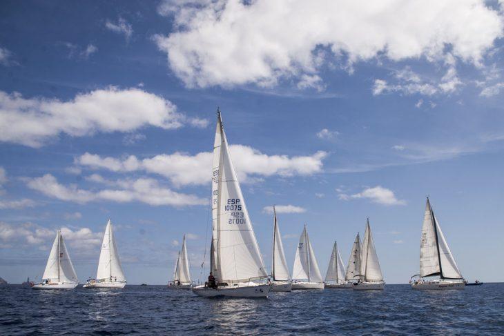 La regata Critérium de Vela reúne a la clase Snipe en el RCNT