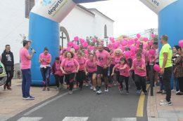 Mil participantes inundan de solidaridad la Carrera de la Mujer