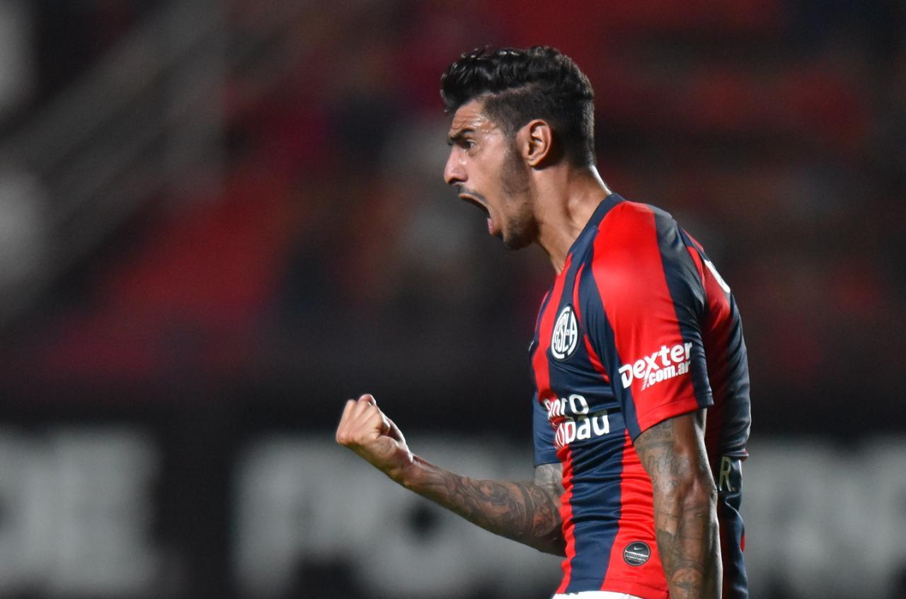 98d4cc2d1 Román Martínez celebra su gol ( SANLORENZO).