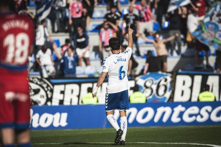 Un partido del Tenerife. (SAN ACOSTA) 9250eddb4cf28