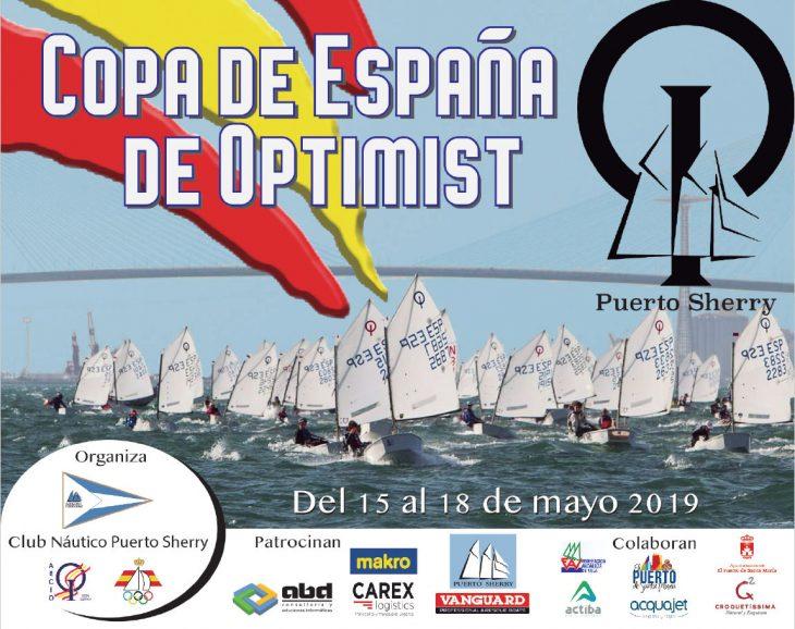Los regatistas nautas participan en la Copa de España de Optimist