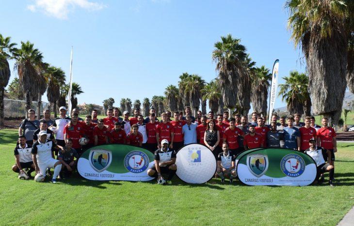 El CD Tenerife pasa una jornada con Canarias FootGolf en Costa Adeje