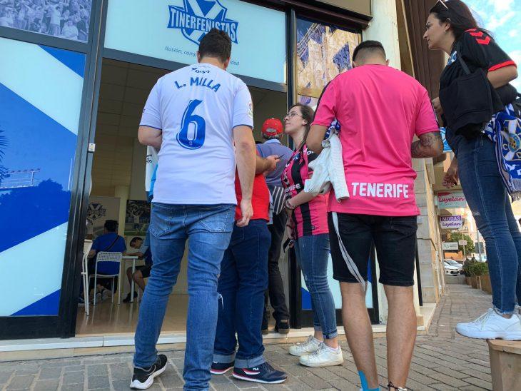 El Fuenlabrada derrota al líder y el derbi gallego se salda sin goles