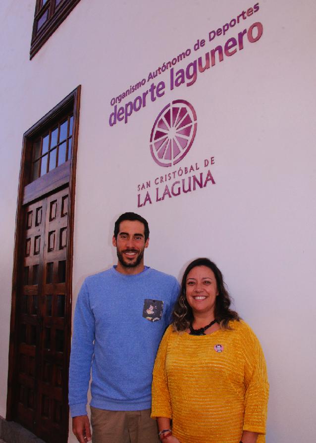 Idaira Afonso recibió al triatleta Vicente Hernández