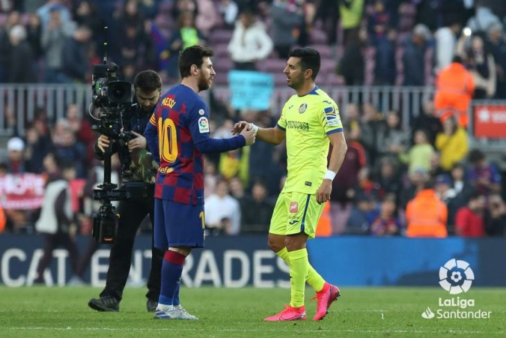 Ángel marca en el Camp Nou