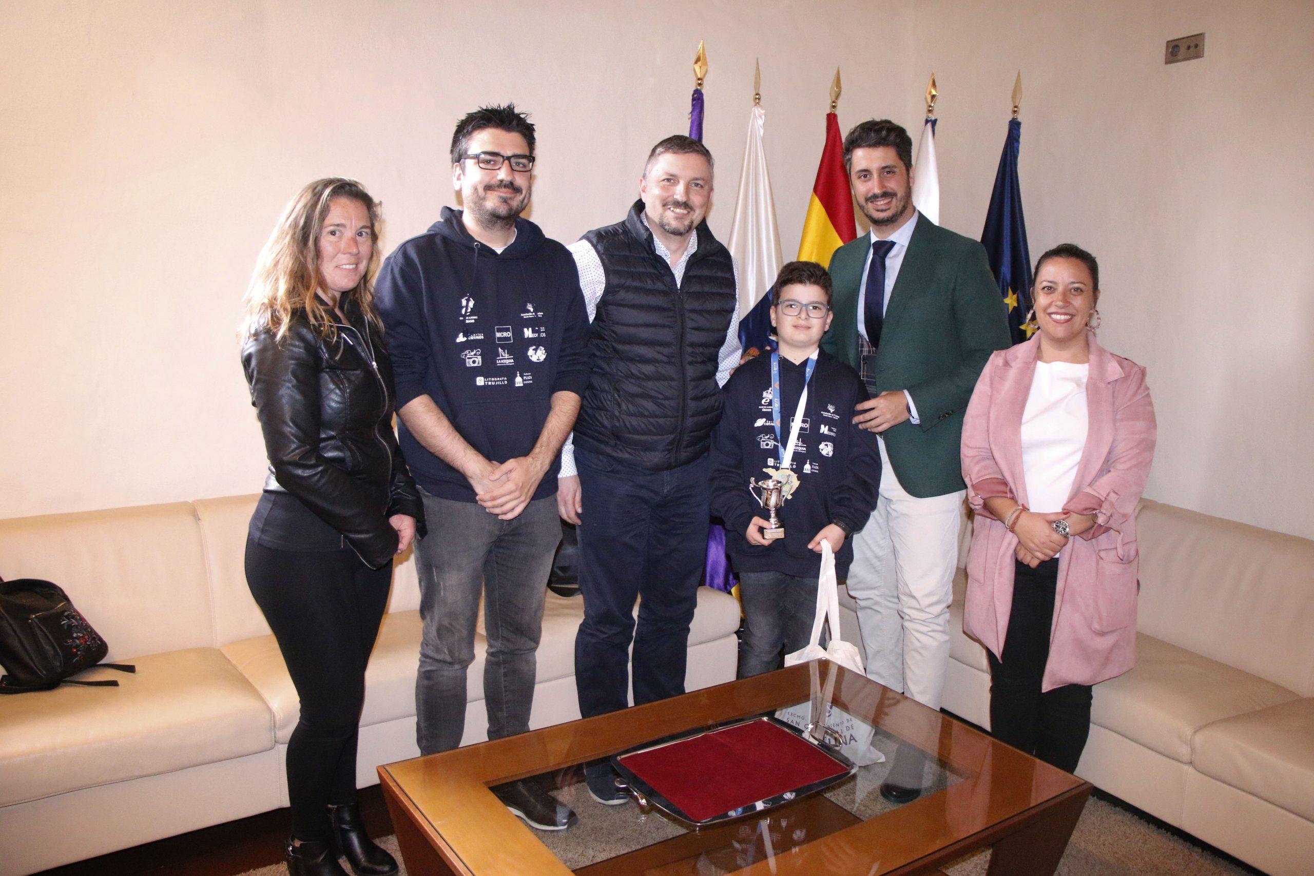 La Laguna se rinde al ajedrecista Daniel Gómez