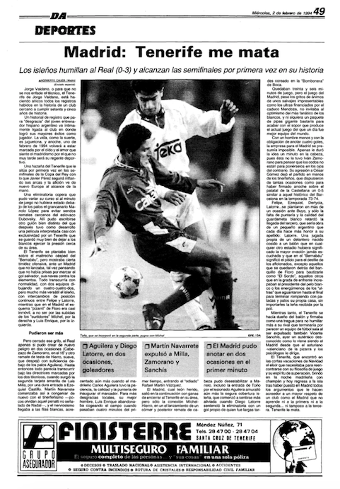 Toño Hernández, que salió en la segunda mitad, trata de arrebatarle un balón a Míchel (Diario de Avisos).