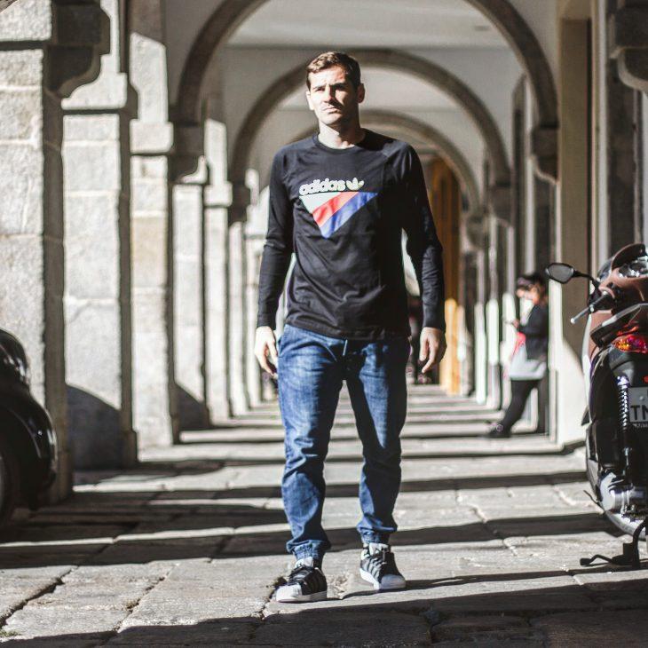 Íker Casillas (@IkerCasillas).